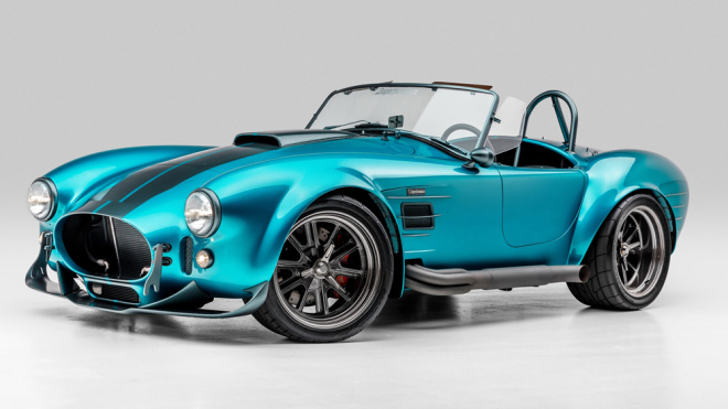 Superformance's MKIII-R Gives the Classic Shelby Cobra a Striking New Look